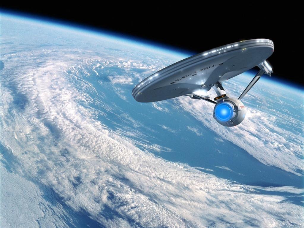 Foto de la nave Enterprise en órbita de un planeta